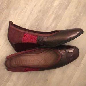 NWOT Hispanitas Textured Wedge Shoe